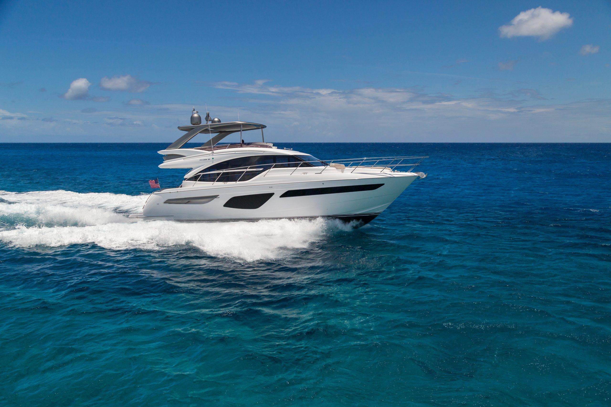 f55 exterior white hull with hardtop 11 scaled 1