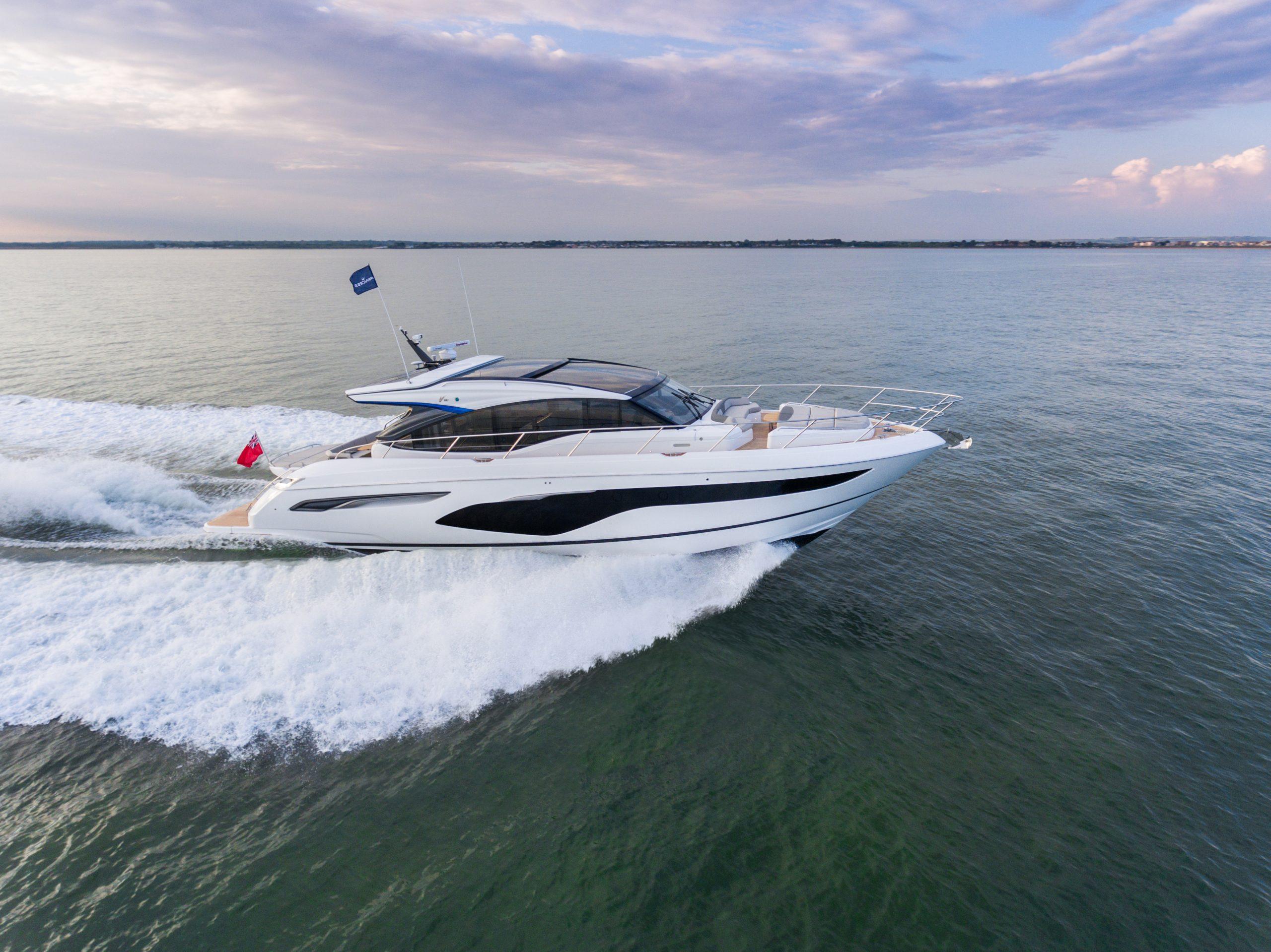 v60 exterior white hull 3 scaled 1