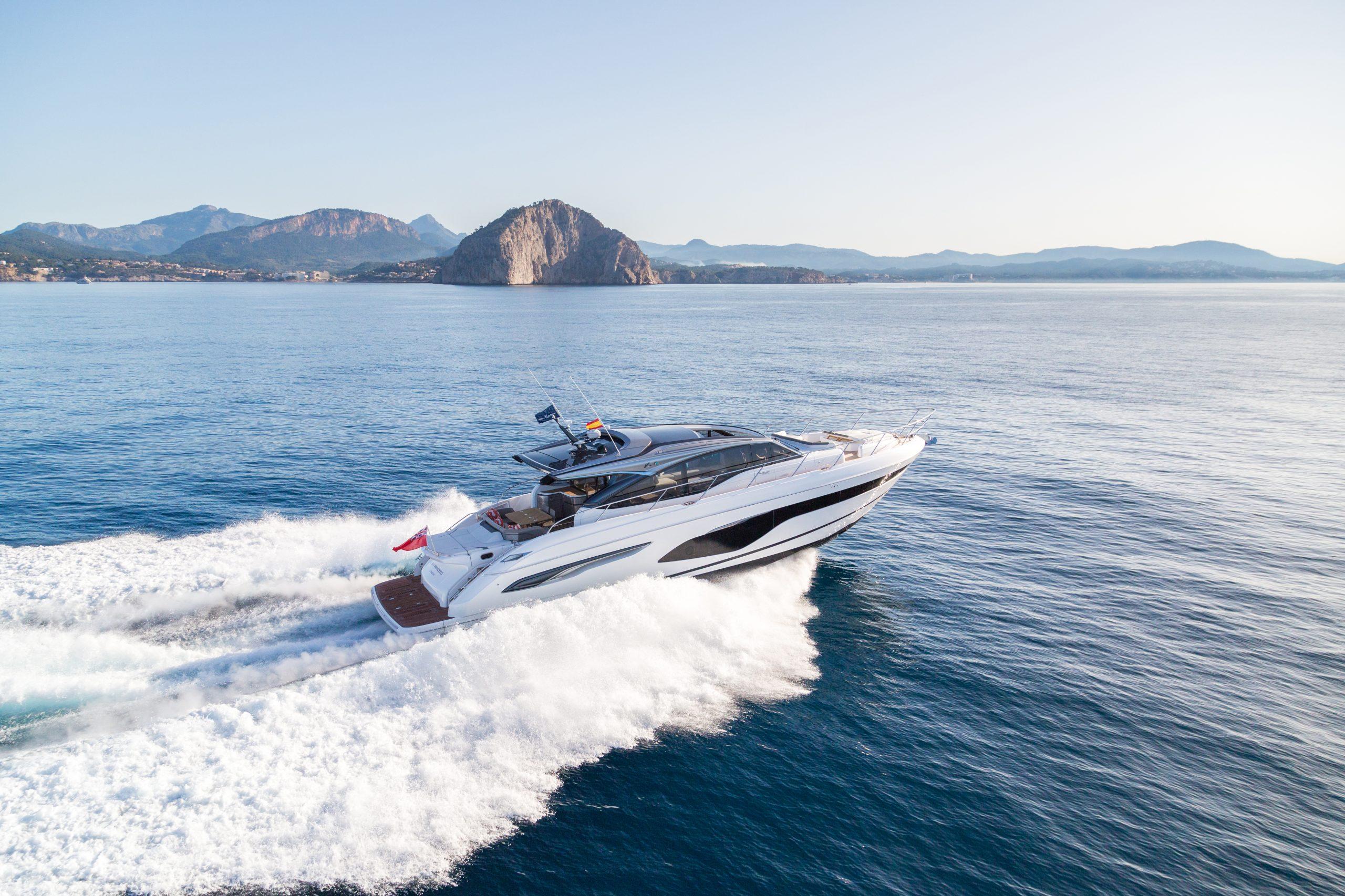 v65 exterior white hull 12 scaled 1